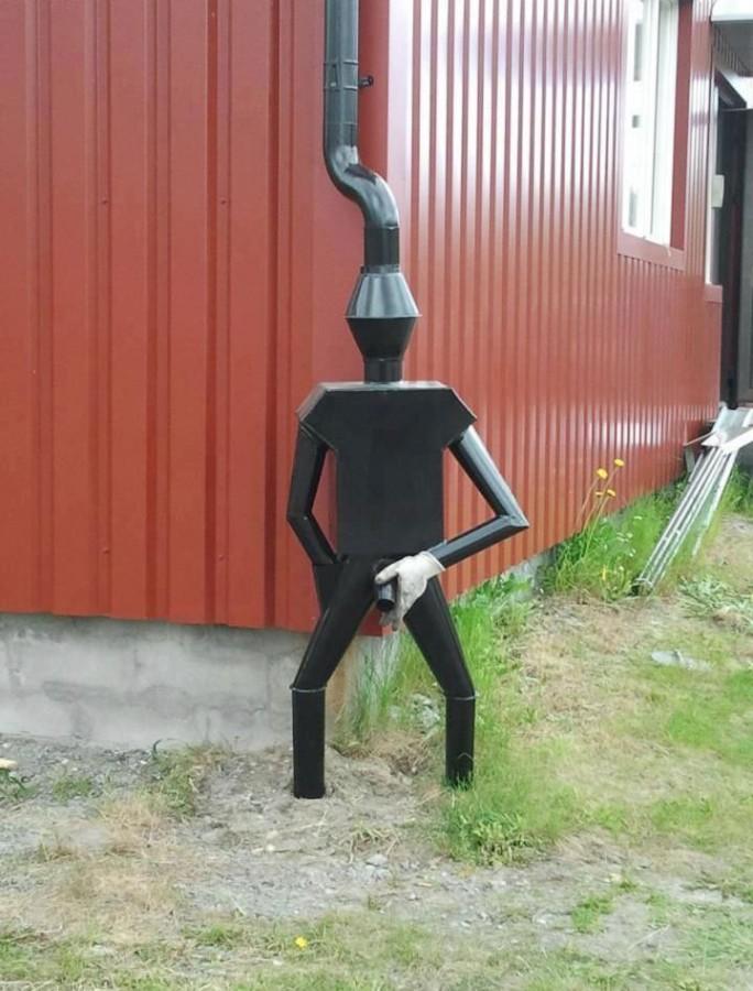 Как сделать слив воды с крыши на даче