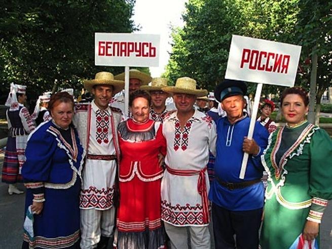 Что скрывается за сентенциями по поводу «давления на Беларусь»?