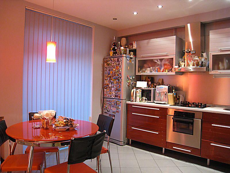 Фото кухни дизайн окрашенных стен