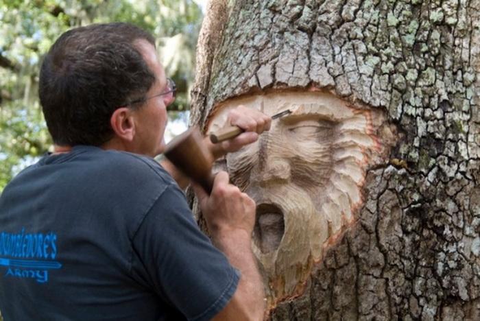 Проект Кита Дженнингса (Keith Jennings) «Tree Spirits». Мастер за работой