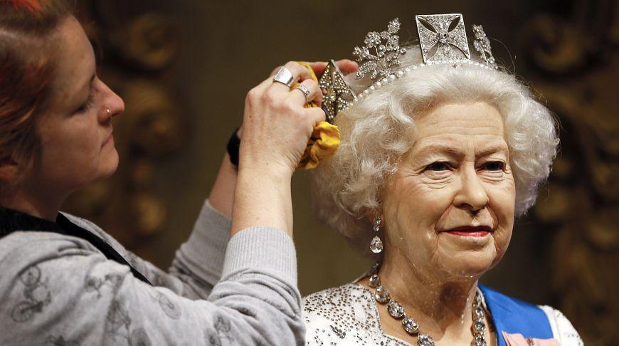 Быть королевой: 35 редких кадров, которые расскажут вам всё о Ее Величестве Елизавете II