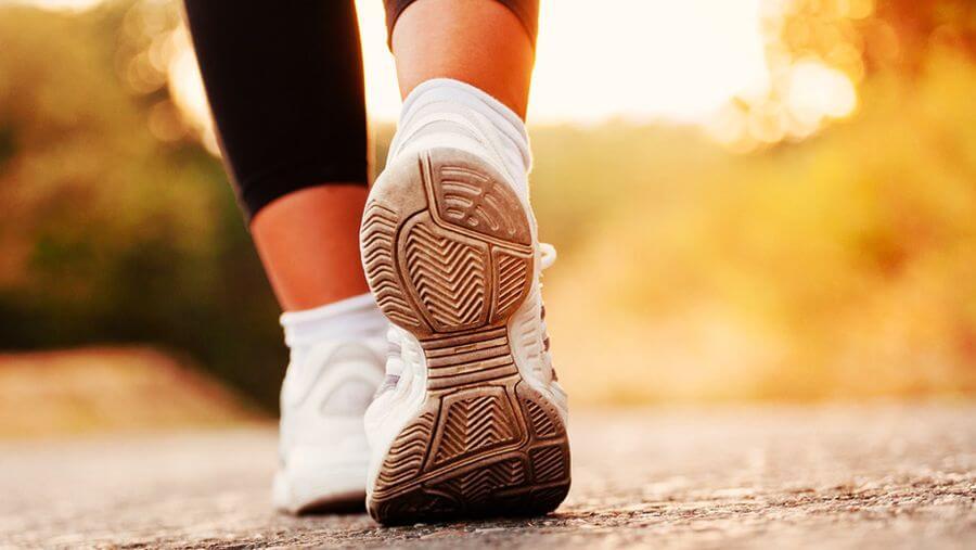 Действительно ли полезно делать десять тысяч шагов в день