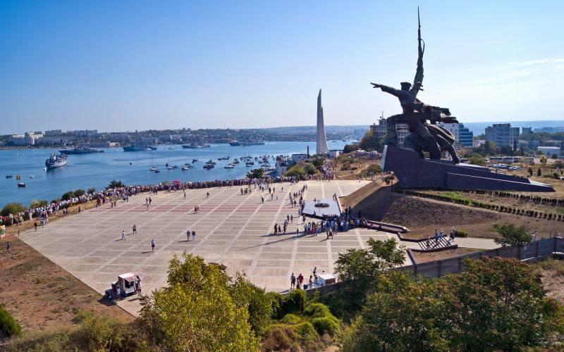 Снова Севастополь, снова маркетинг на костях, под ширмой патриотизма
