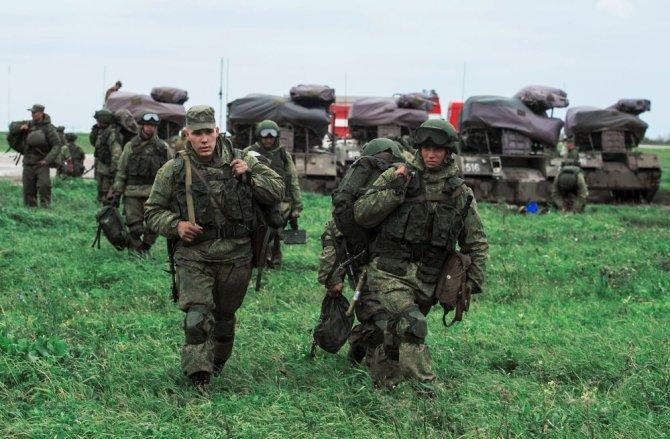 Российские десантники в Крым…