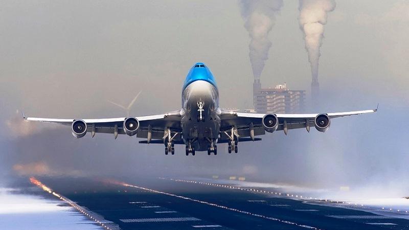 Правила поведения при аварии от стюардессы «Аэрофлота»