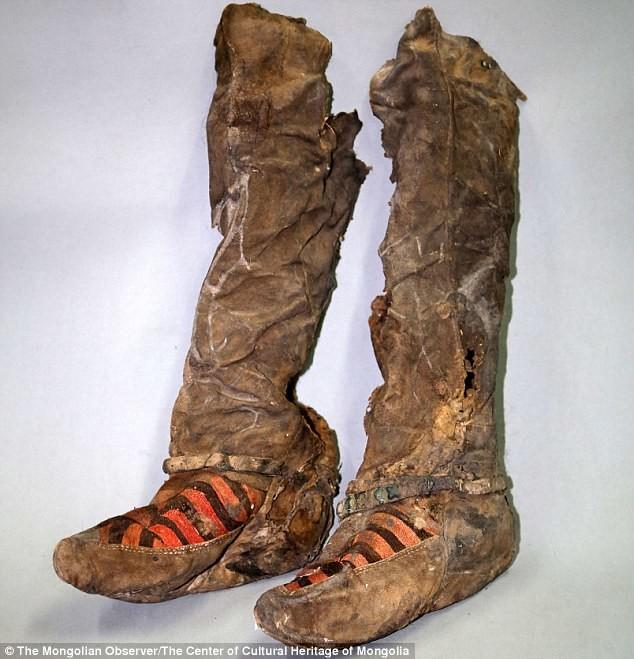 """Монгольская """"мумия в кроссовках"""" умерла от удара по голове"""