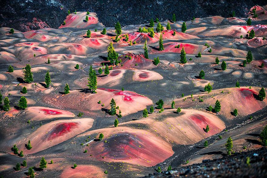 20. Красочные дюны национального вулканического парка Лассен, США земля, красота, планета, природа