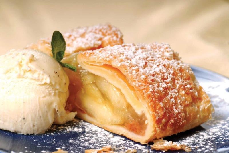 Штрудель с яблоками – нежная австрийская выпечка
