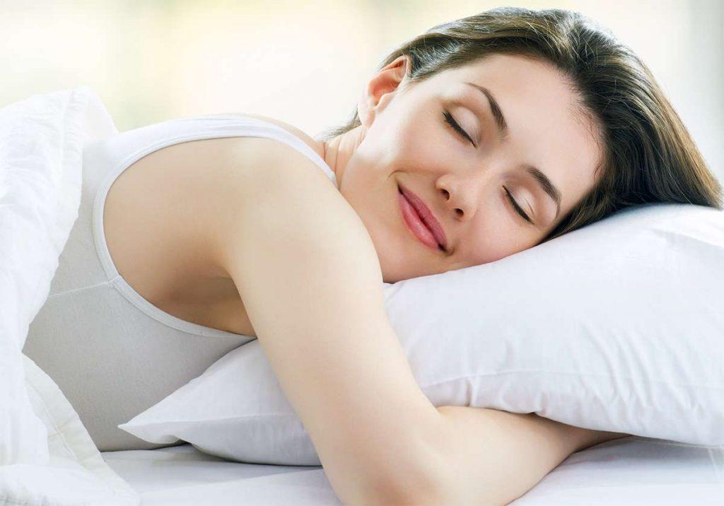 Ученые объясняют, сколько часов сна вам нужно, согласно вашему возрасту