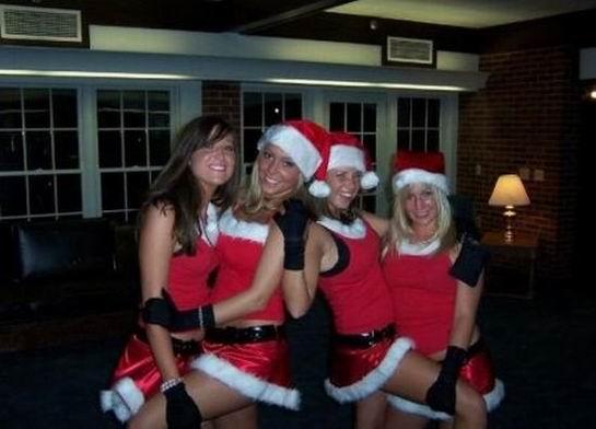 Рождественские сексуальные девчонки