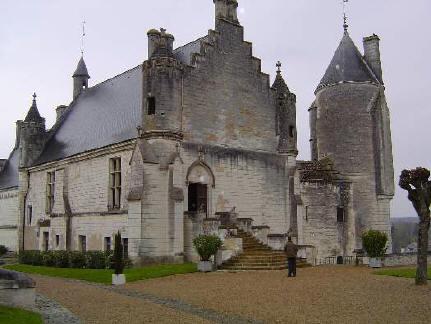 http://pascale.olivaux.free.fr/Histoire/Photos/chateau%20de%20loches.jpg
