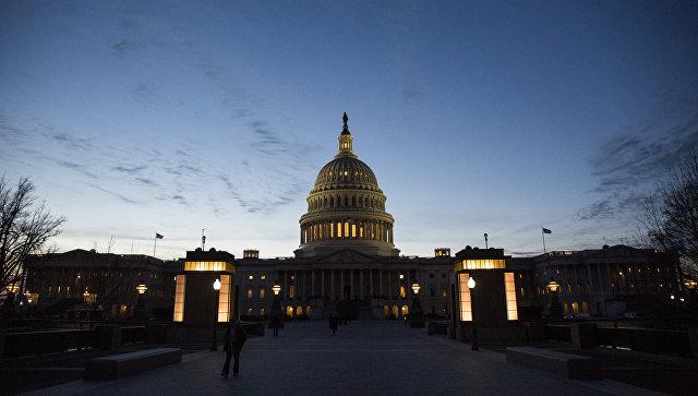 Отменить нельзя продлить: В Конгресс внесли законопроект, затрудняющий снятие санкций против России