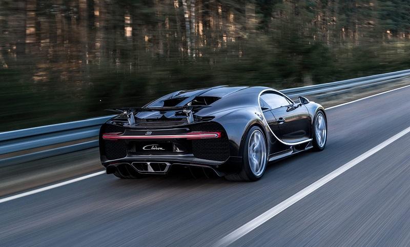 Названы 10 самых мощных и быстрых автомобилей 2016 года