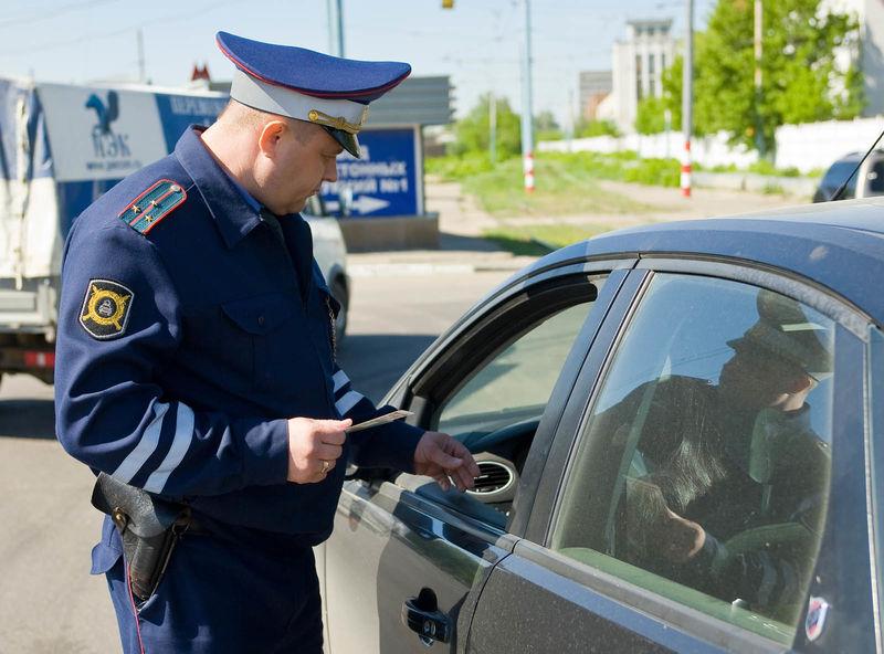 Скоро все россияне будут показывать права на смартфоне
