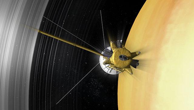 """""""Кассини"""" столкнулся с необъяснимой аномалией магнитного поля Сатурна"""