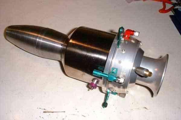 Реактивный двигатель маленький