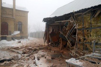 Храм с воскресной школой обстреляли в Дебальцево