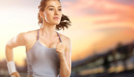 Упражнения: растяжка, приседания и комплекс для тренировки пресса