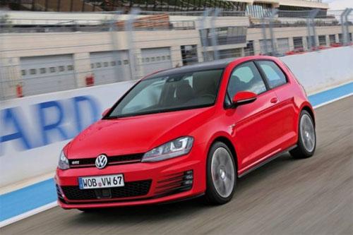 «Заряженный» Volkswagen Golf: рублевые цены