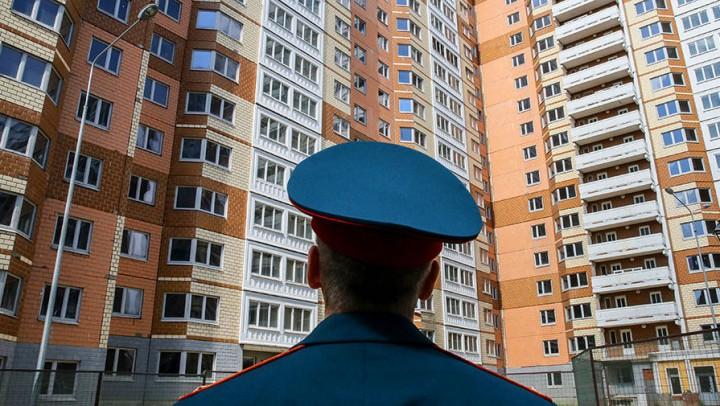«Бездомный полк»: Их испортил квартирный вопрос…
