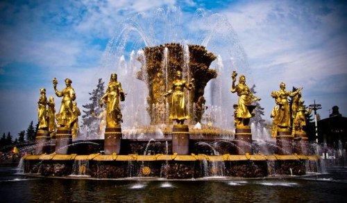 Самые прекрасные фонтаны в мире (14 фото)