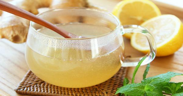 Три причины начать пить воду с медом и лимоном по утрам