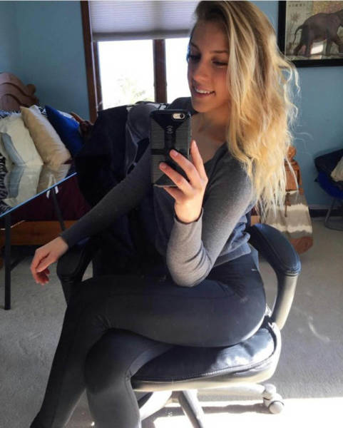 Yoga Pants Are a Real Turn-On (51 pics)