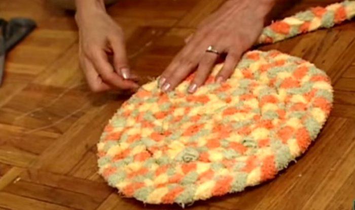 Яркий коврик своими руками