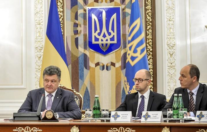 Янукович просит очной ставки…
