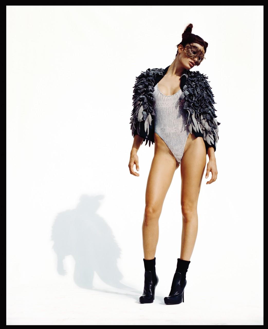 Изабели Фонтана  в фотосессии Ричарда Буша  для журнала Purple осень-зима 2007