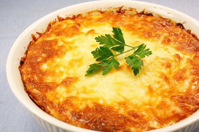 Картофельно- грибная запеканка со сметанным соусом