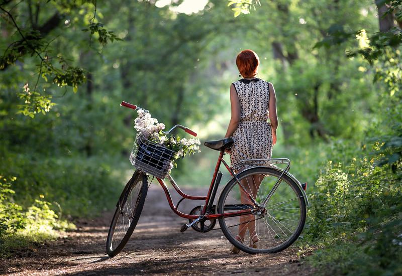 Велосипед и прекрасные девушки велосипед, девушки