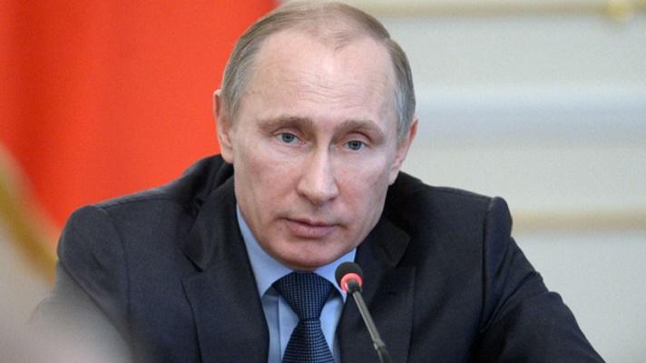 Путин: зарплата врачей в 2018 году должна быть 200% от средней по региону