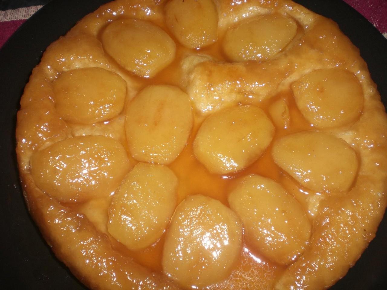 Мой английский АБСАЙДДАВН, или перевернутый, не бисквитный пирог с яблоками в карамели.. Получилось очень вкусно.. Яблоки сочные и не слишком запеченные..