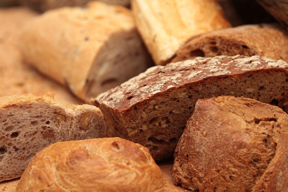 Мощные заговоры на хлеб для привлечения достатка и любви в дом.