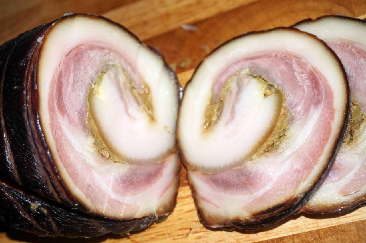 Свиная лопатка копчёно-запеченная