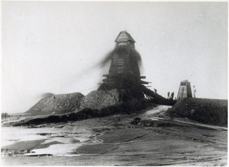 Ротшильды, Рокфеллер, Нобели: кому принадлежала нефть Российской империи