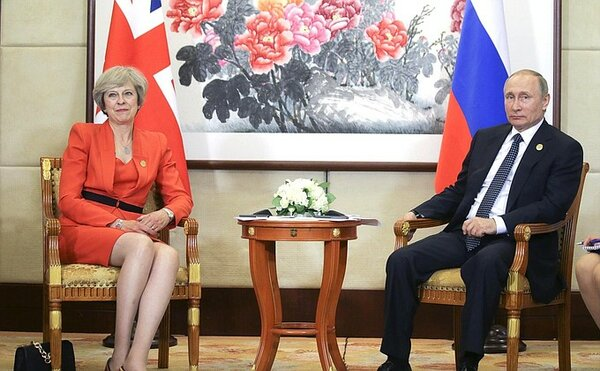 """""""Списаны со счета"""": заявление Британии о """"дерзком"""" поздравлении Путина оценили в России"""