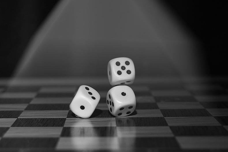 Синхрония: почему случайности не случайны?