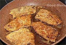 Отбивные из печени на сковороде