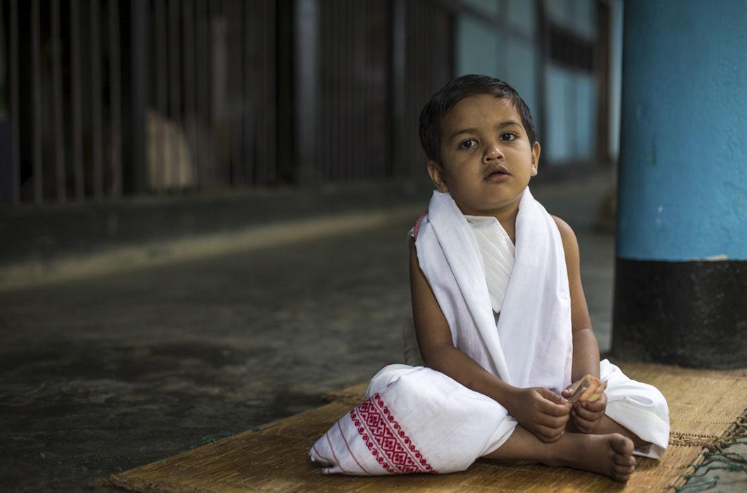 Юные монахи бхакти