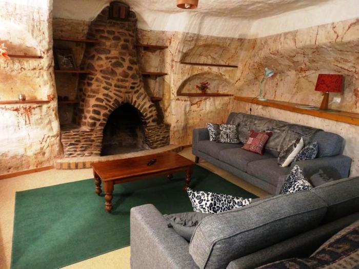 Оригинальный интерьер подземного жилища (Кубер-Педи, Австралия). | Фото: legko-zhit.ru.