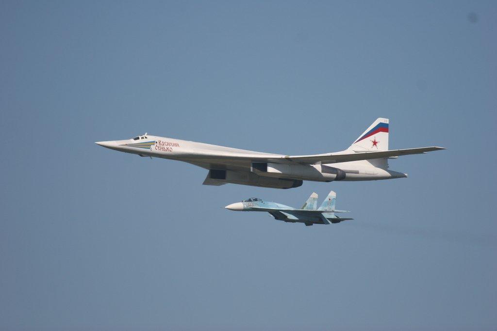Российский Blackjack против американского B-1B Lancer: битва бомбардировщиков
