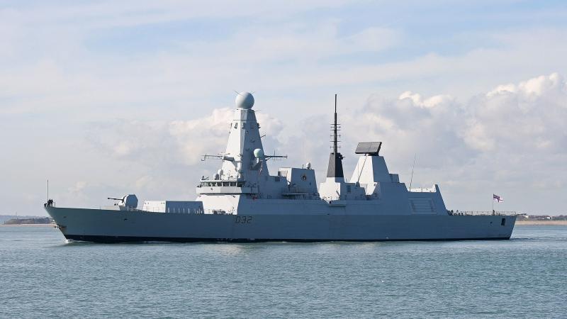 Ящик гаечных ключей: британские эсминцы за миллиард подставляют бока российским подлодкам