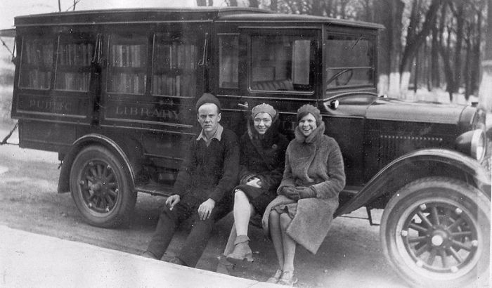 1930 библиотека, библиотека на колесах, ретро фото