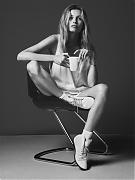 Эдита Вилкевичуте (Edita Vilkeviciute) в фотосессии Бена Уэллера (Ben Weller) для коллекции Twin (весна-лето 2012)