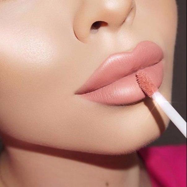 Несколько простых советов по макияжу губ
