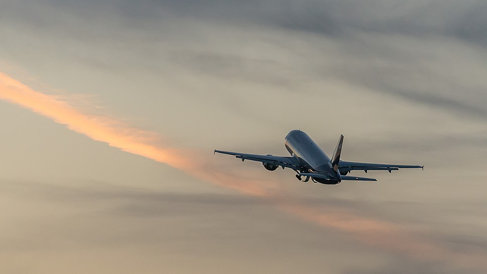 SSJ100 взлетает по «Азимуту»