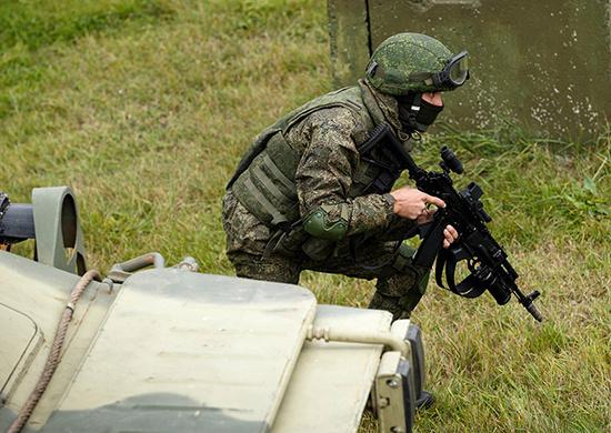 Около 2 тыс. военнослужащих ЦВО в Поволжье получили новую боевую экипировку «Ратник»