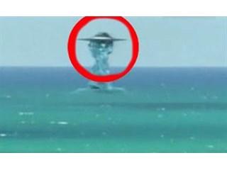 НЛО уходит под воду: документальная съемка военных